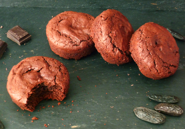 Preciously Me blog : Chocolate &amp; Tonka Bean Soft Biscuits