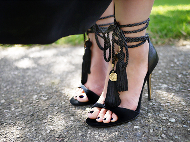 Preciously Me blog : DIY Jimmy Choo Tassel Shoes