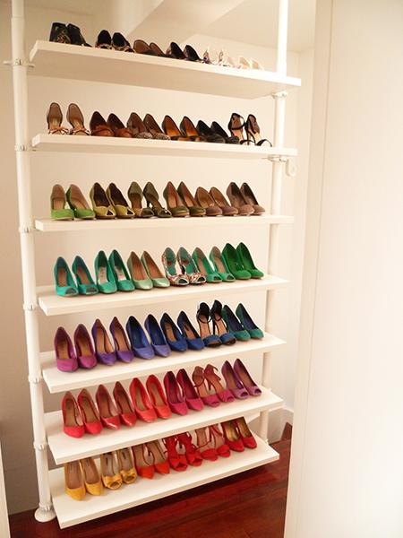 Preciously Me blog : Home Tour - Hallway shoes