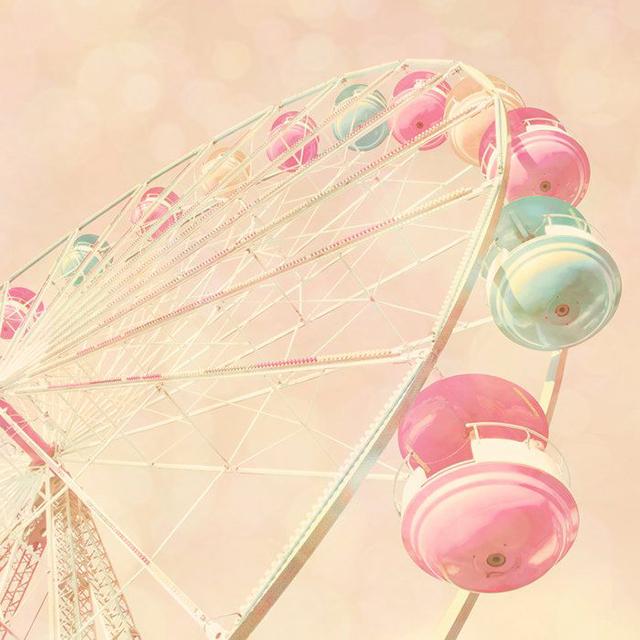 Preciously Me blog : Carnival Pastel Ferris Wheel