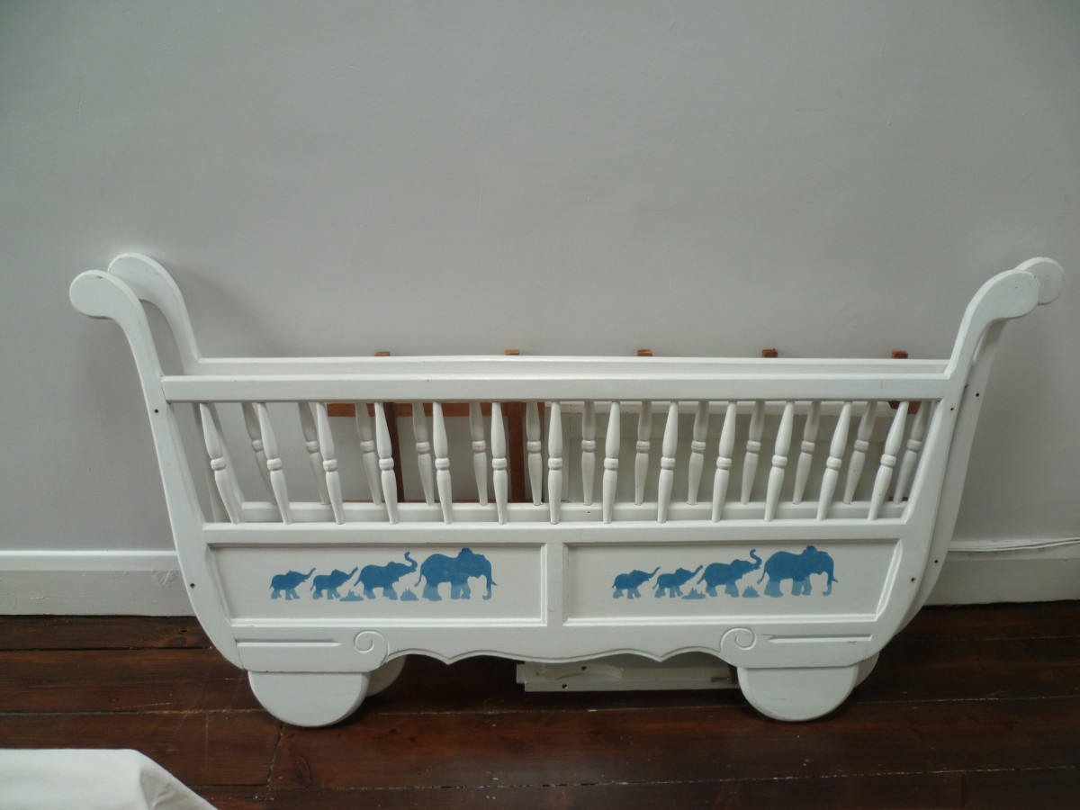 Preciously Me blog : Baby cot makeover