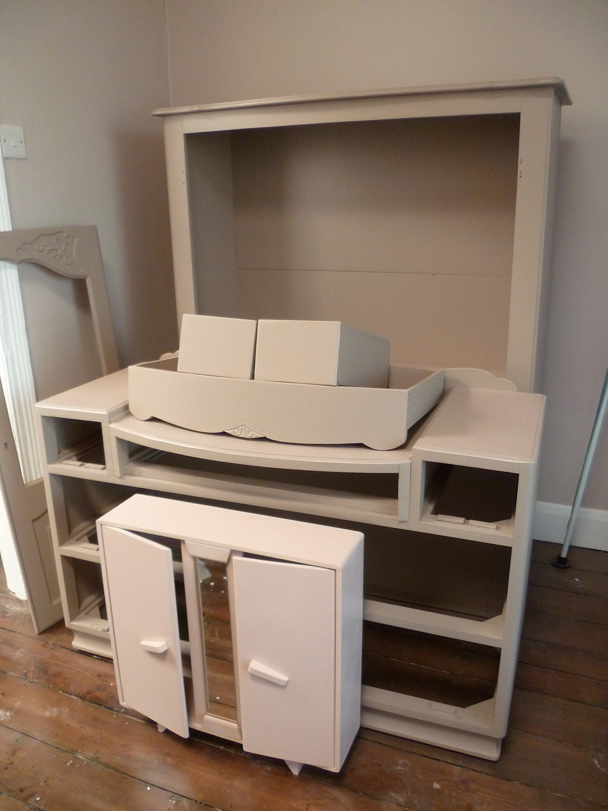 Preciously Me blog : One Room Challenge - Furniture makeover