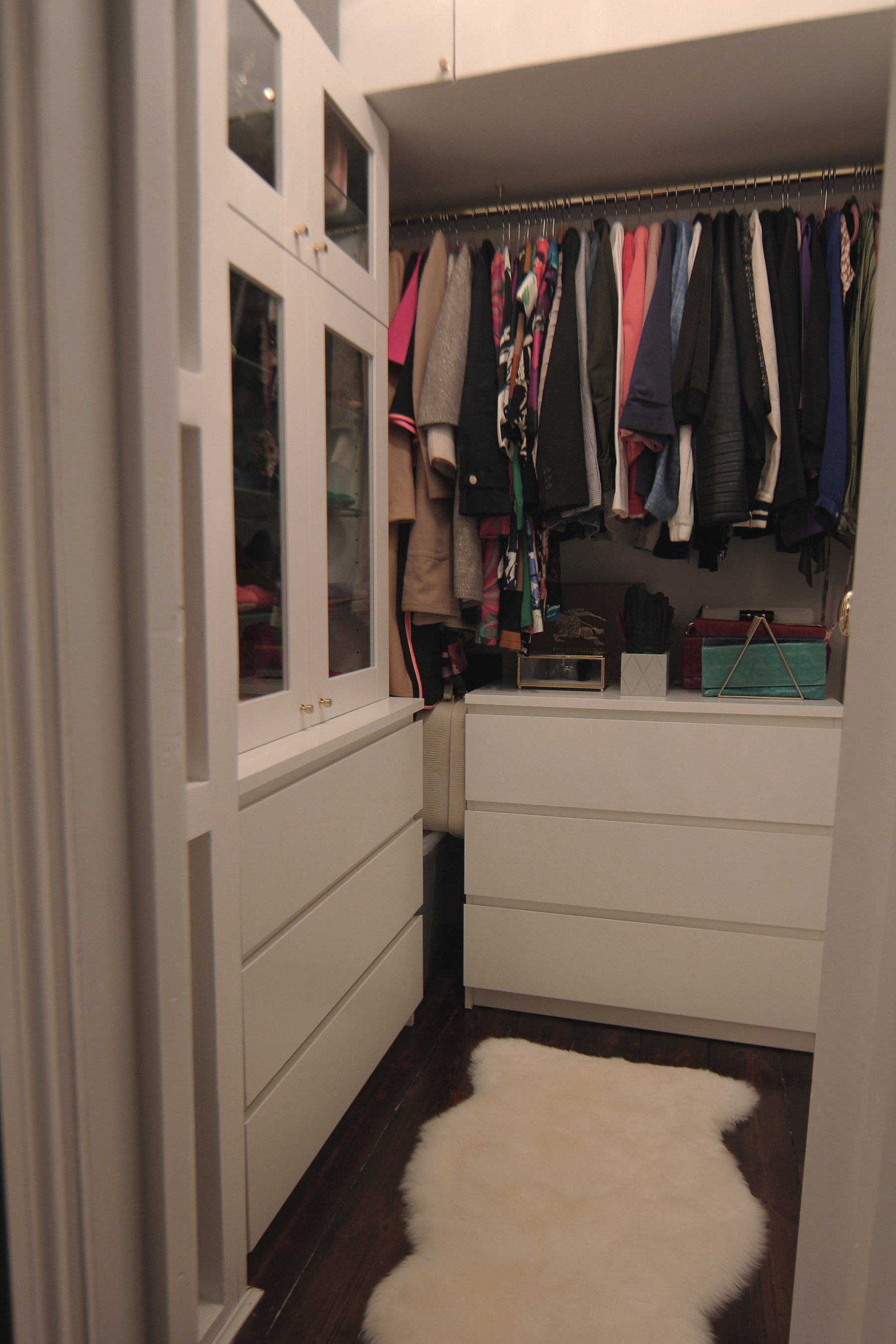 Preciously Me blog : One Room Challenge - Bedroom makeover reveal. Closet