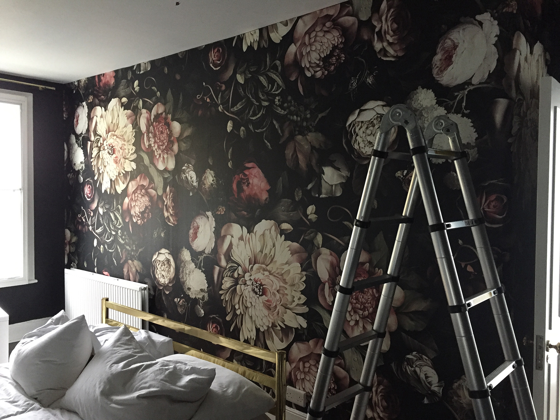 Preciously Me blog : One Room Challenge - Ellie Cashman Dark Floral II wallpaper