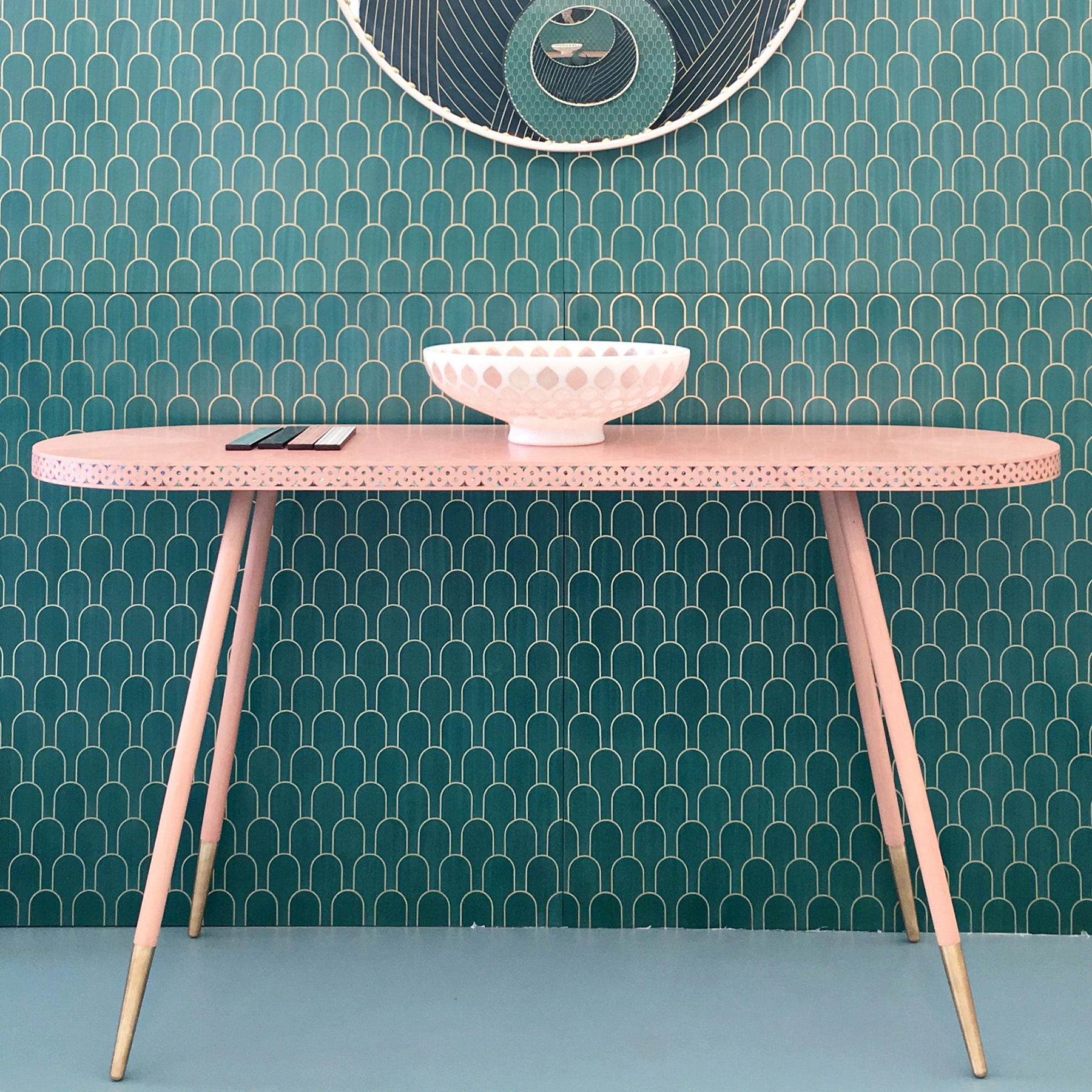 Preciously Me blog : Bethan Gray pink console